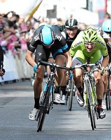 Marcel Kittel, left, surges past to win the third stage of the Giro d'Italia in Dublin's City Centre